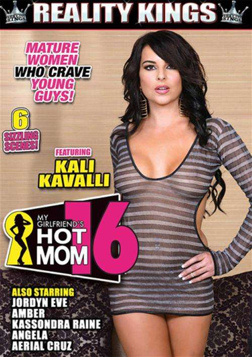 My Girlfriend's Hot Mom Vol. 16