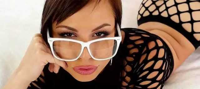 Top 10: Hottest Pornstars with Glasses (2018)